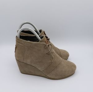TOMS Tan Lace Up Wedge Boots Size 5